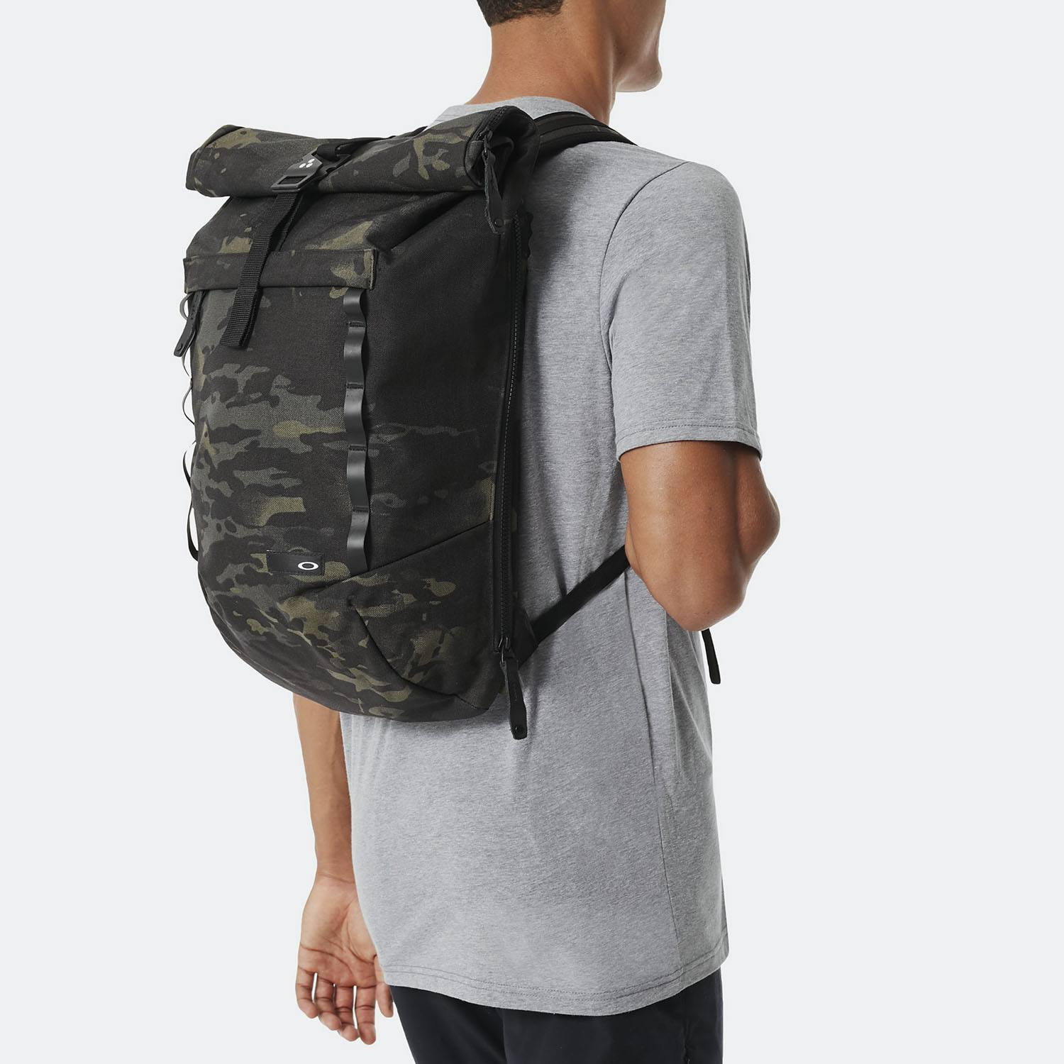 Oakley Voyage Roll Top Multi Camo Large Backpack (9000008730_33580)
