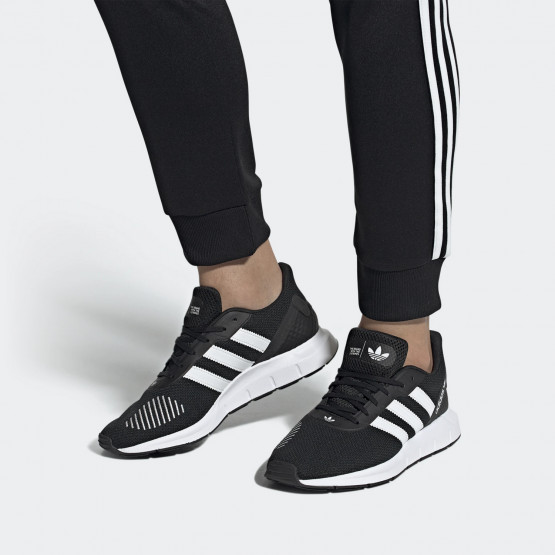 adidas Originals Men's Swift Run RF Shoes