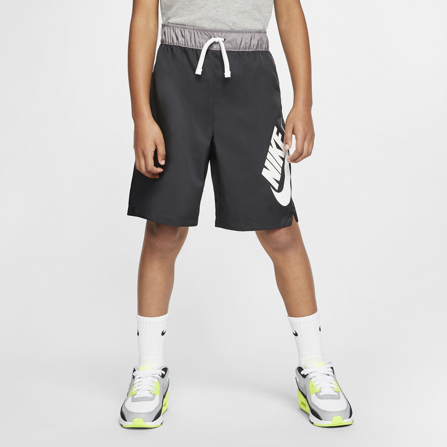 Nike Sportswear Older Kids' Woven Shorts (9000052373_31715)
