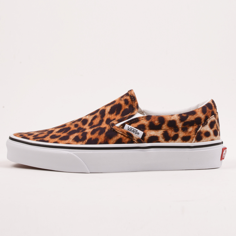 Vans Ua Classic Slip-On Unisex Shoes (9000066125_49289)