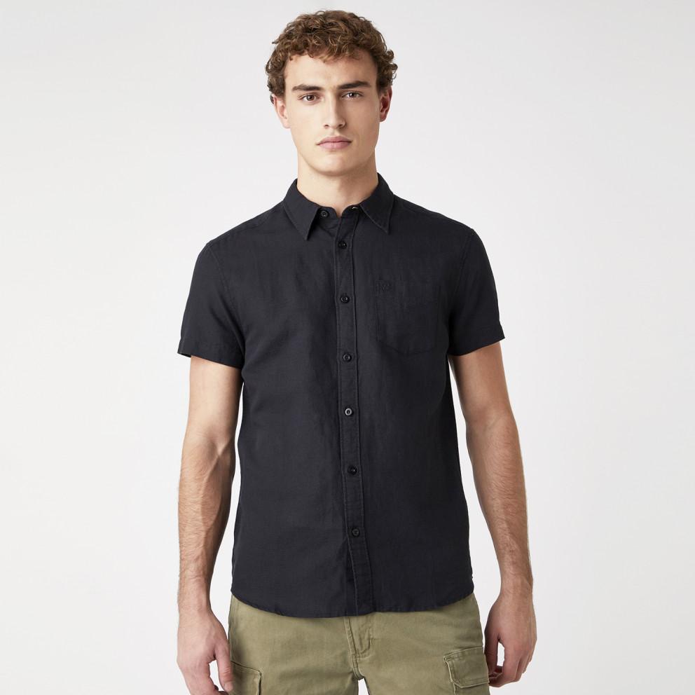 Wrangler One Pocket Shirt In Black Ανδρικό Κοντομάνικο Πουκάμισο